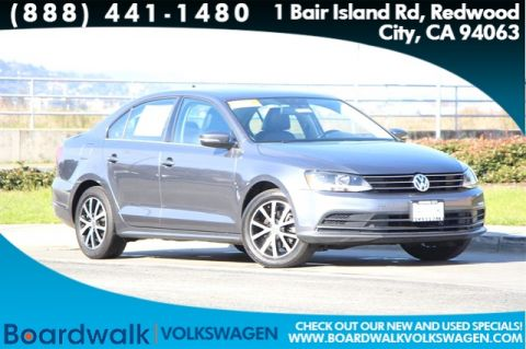 Pre-Owned 2017 Volkswagen Jetta 1.4T SE FWD 4D Sedan