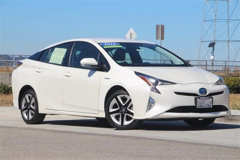 Pre-Owned 2016 Toyota Prius Four FWD 5D Hatchback