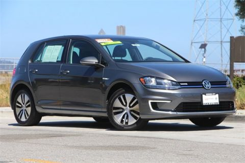 Pre-Owned 2017 Volkswagen e-Golf SE FWD 4D Hatchback